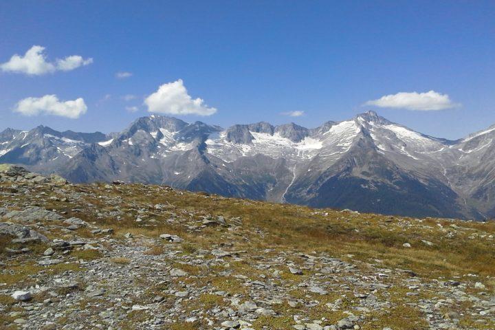 Vista dal Obersteiner Holm verso le Alpi dello Zillertal